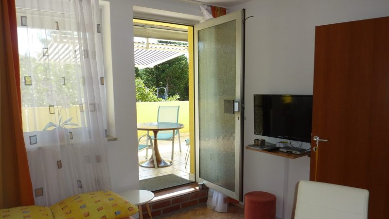 Apartment 2 Wohnzimmer1