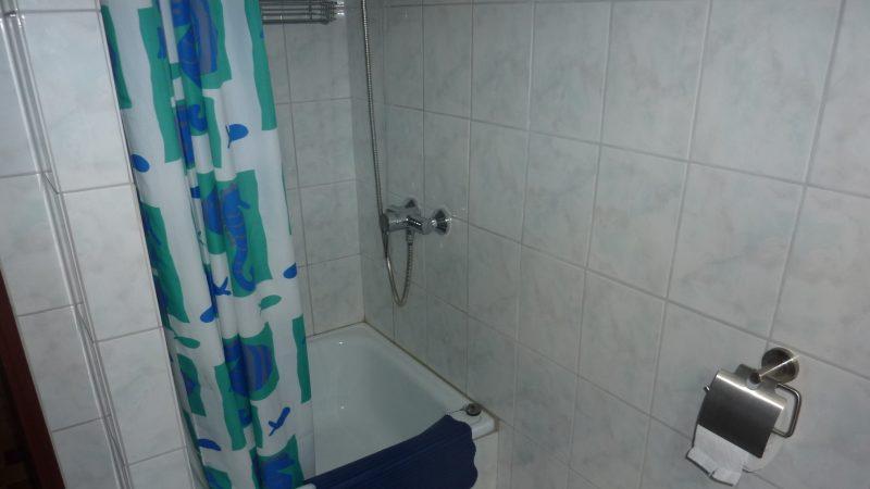 Apartment 4 Bad1